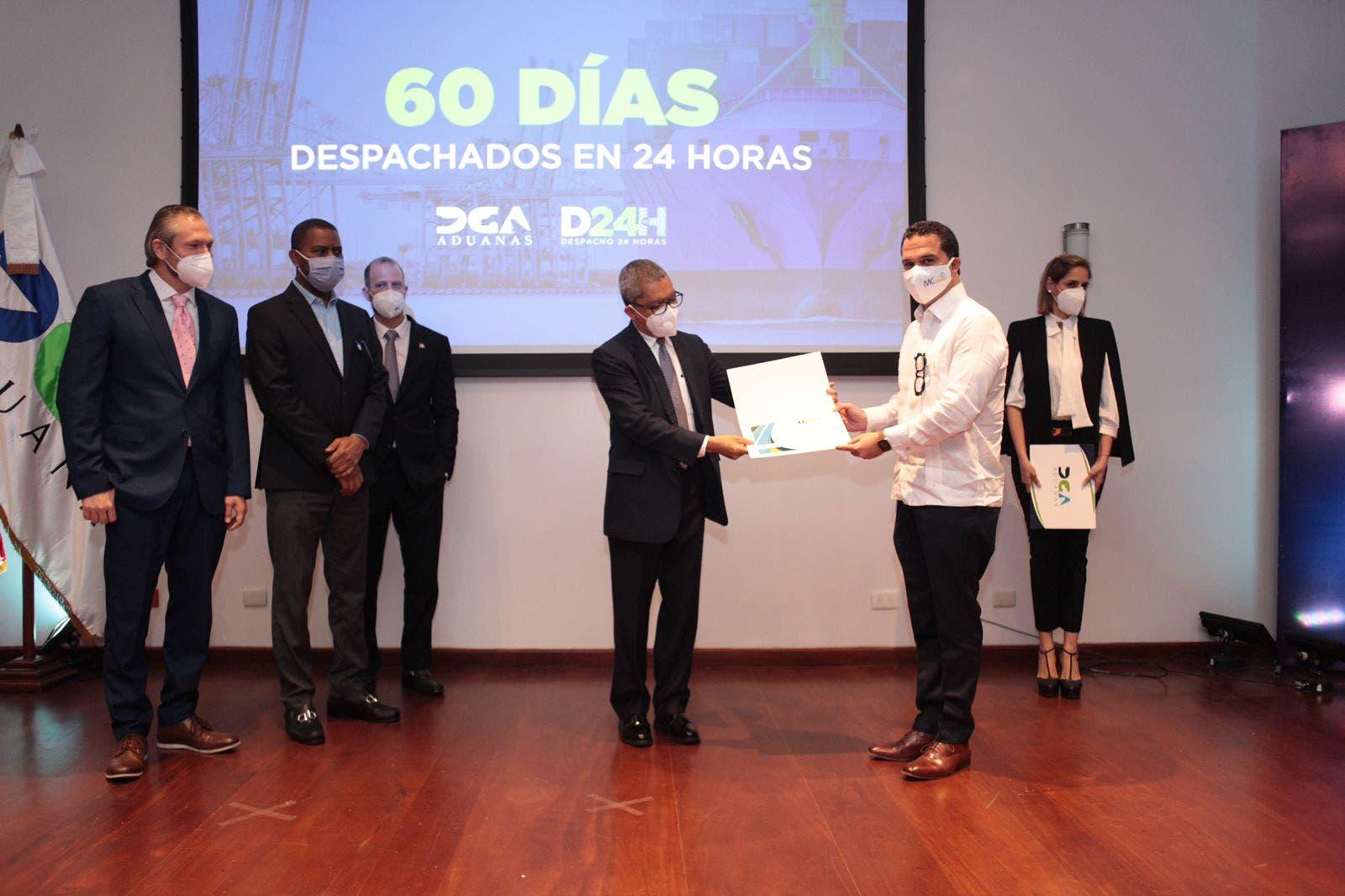 Aduanas reconoce a 10 empresas por resultados obtenidos en Despacho en 24 Horas
