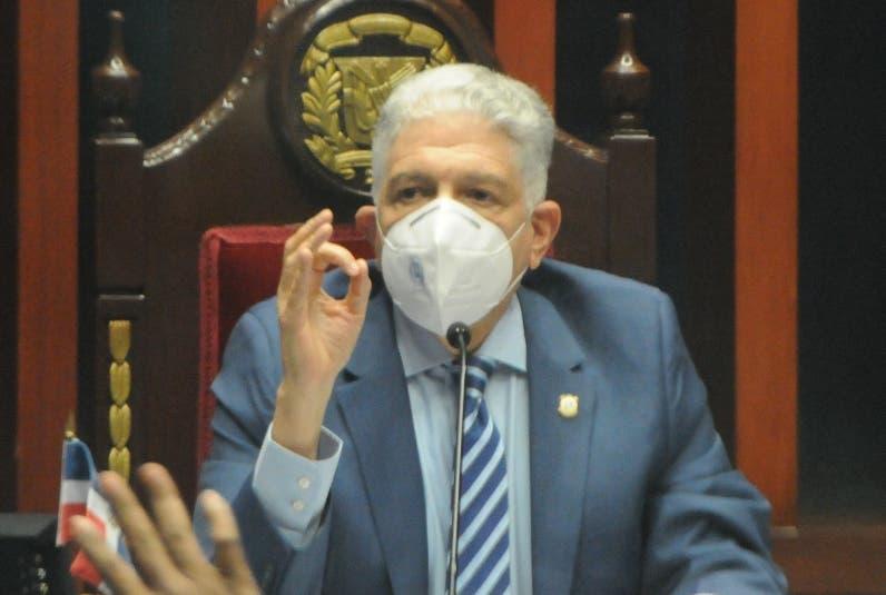 Eduardo Estrella favorece Senado sí estudie Código Penal