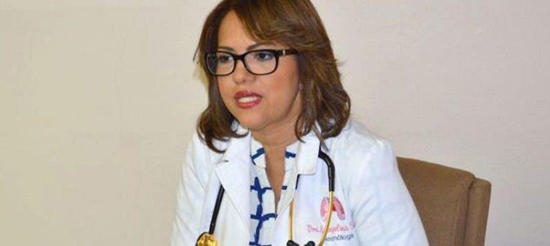 Evangelina Soler: Población no debe confiar en la  reducción de Covid