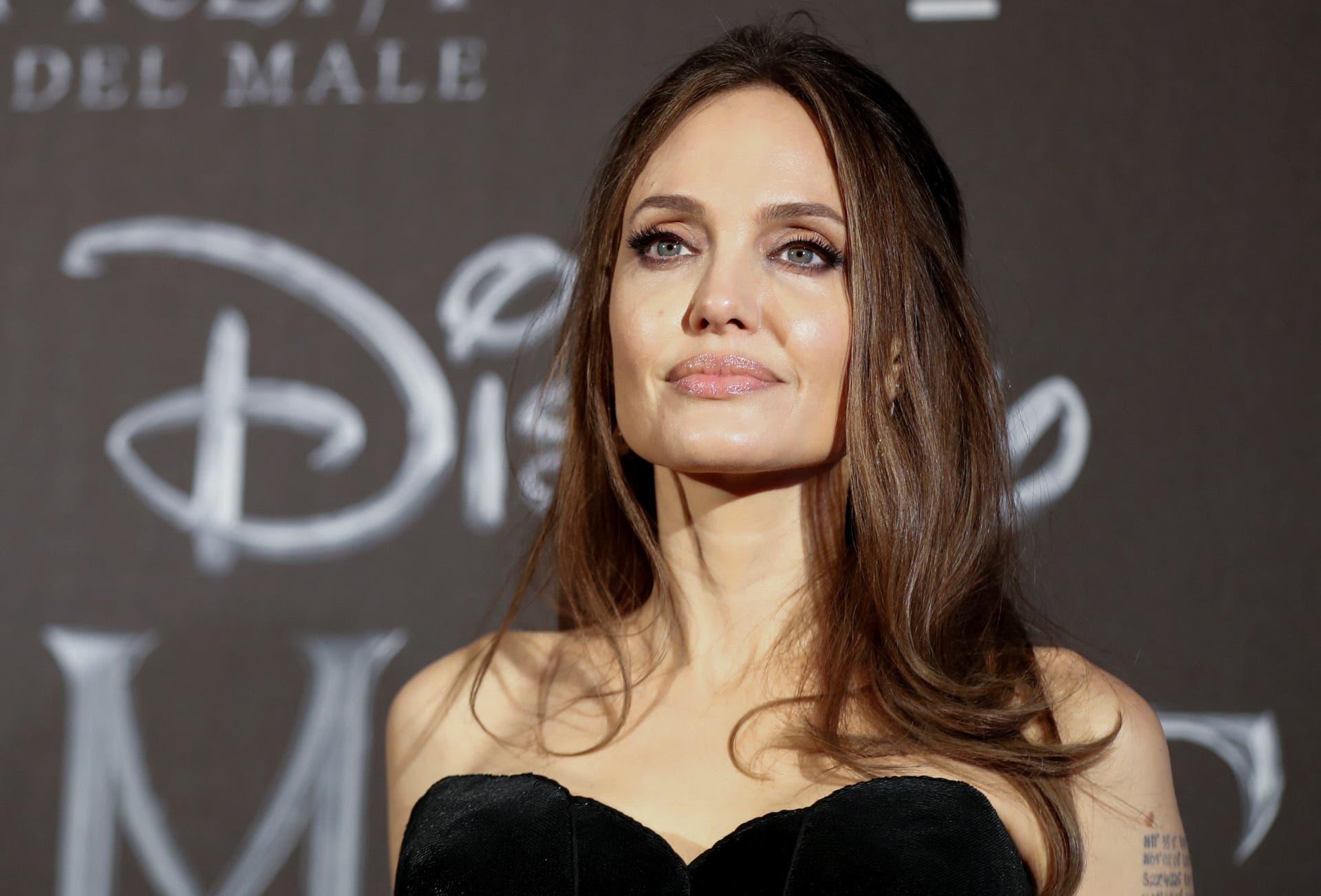 Angelina Jolie se estrena en Instagram con la denuncia de una niña afgana