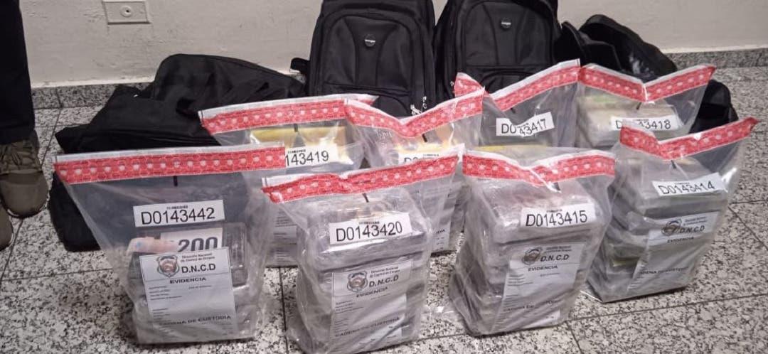 DNCD incauta 45 kilos de cocaína en Aeropuerto Internacional de las Américas