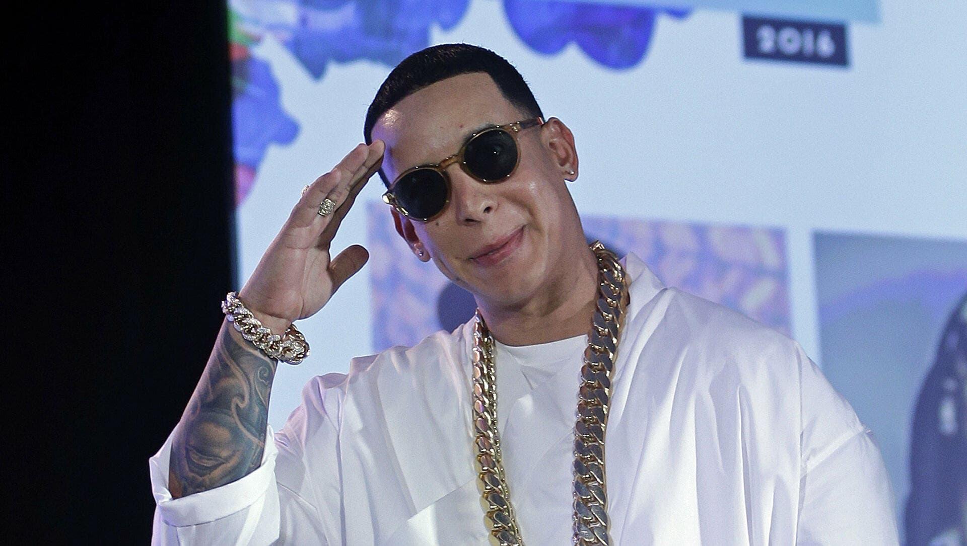 Tres canciones llegan a las 1,000 millones reproducciones en Spotify