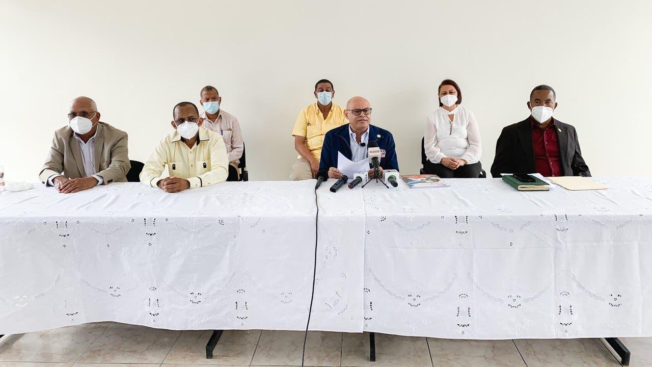 Corriente magisterial presenta a Juan Núñez como candidato a presidente ADP