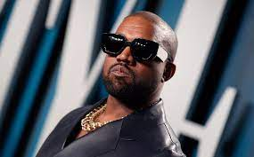 Kanye West en pelea con su discográfica por el lanzamiento de disco