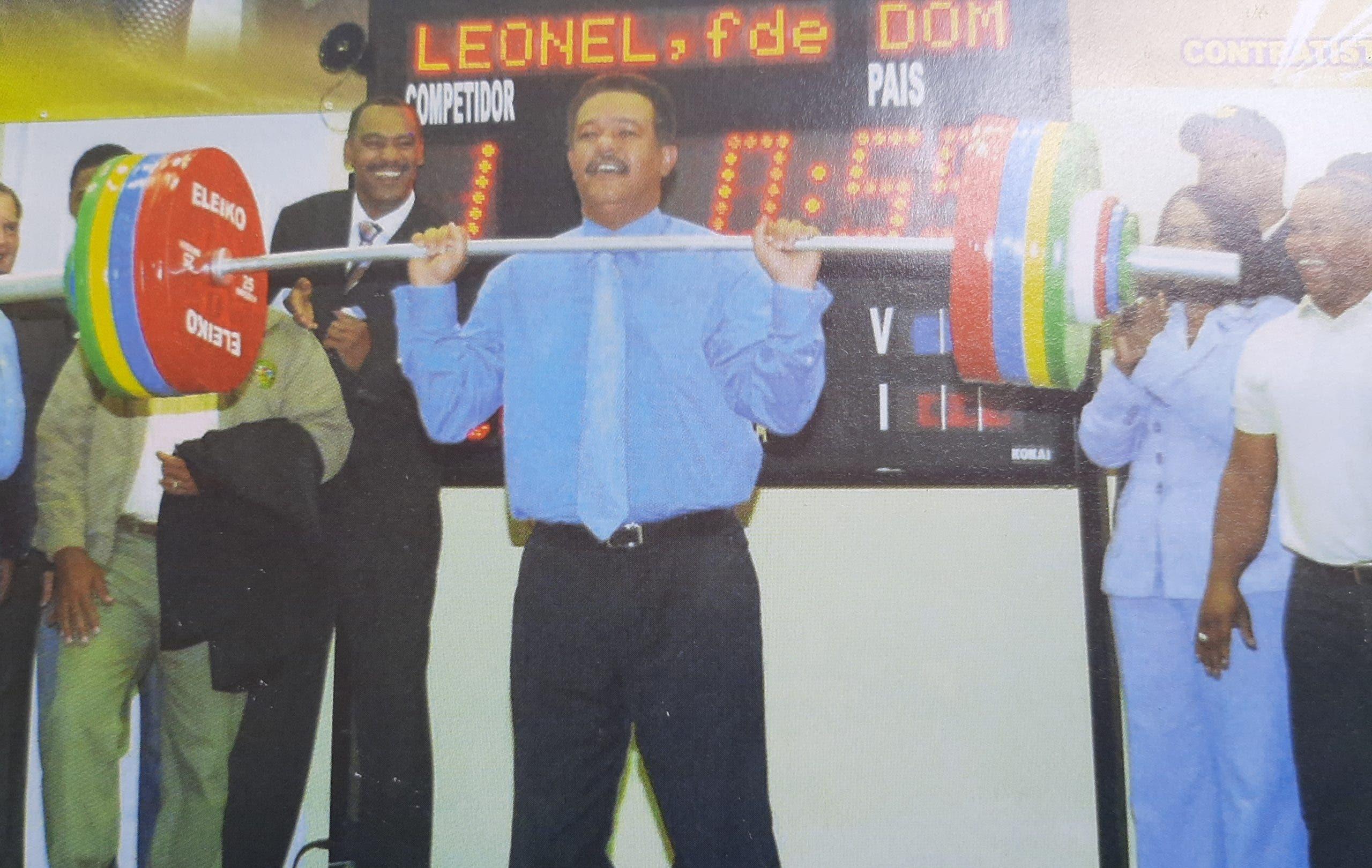 Leonel y Payano resaltan medalla lograda por pesista Crismery Santana en Tokio