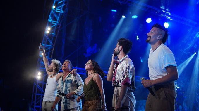 Los Montaner dedican exitoso concierto a la memoria de Johnny Ventura