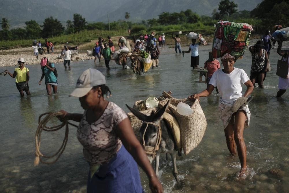 Ciudad de Haití inicia retirada de casas afectadas por sismo