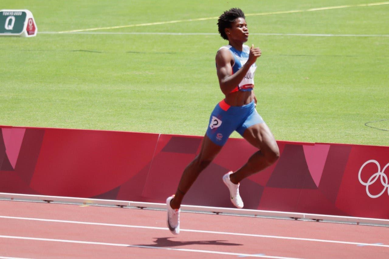 Marileydi Paulino queda en primer lugar y clasifica para la final de los 400 metros