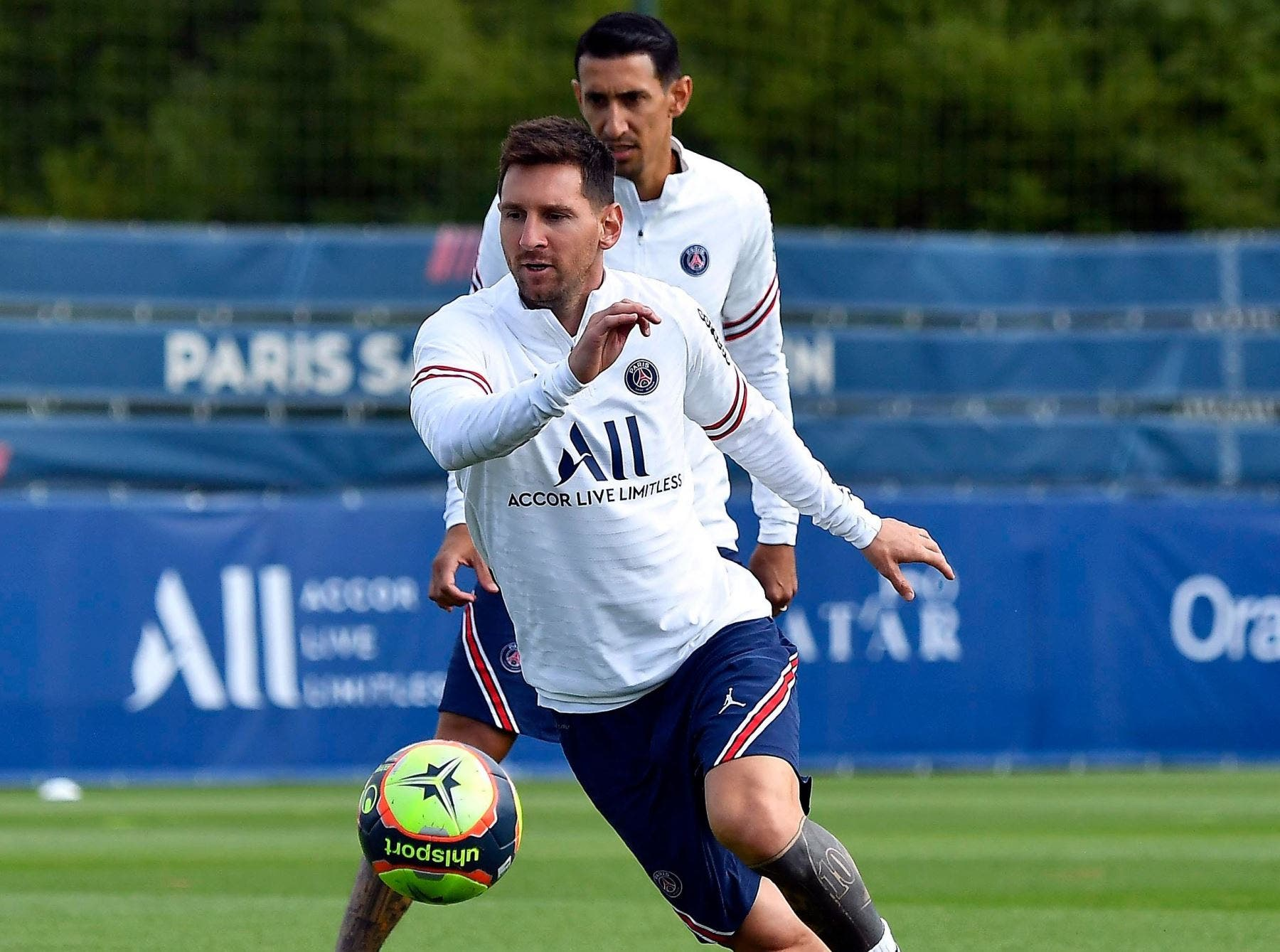 Fútbol.- Messi debuta y Mbappé sigue marcando para el PSG