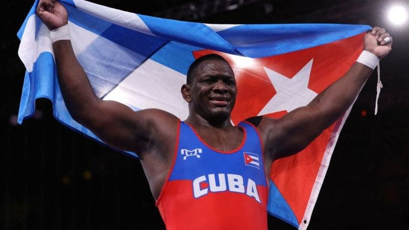 Tokio: 2 oros para Cuba en lucha grecorromana