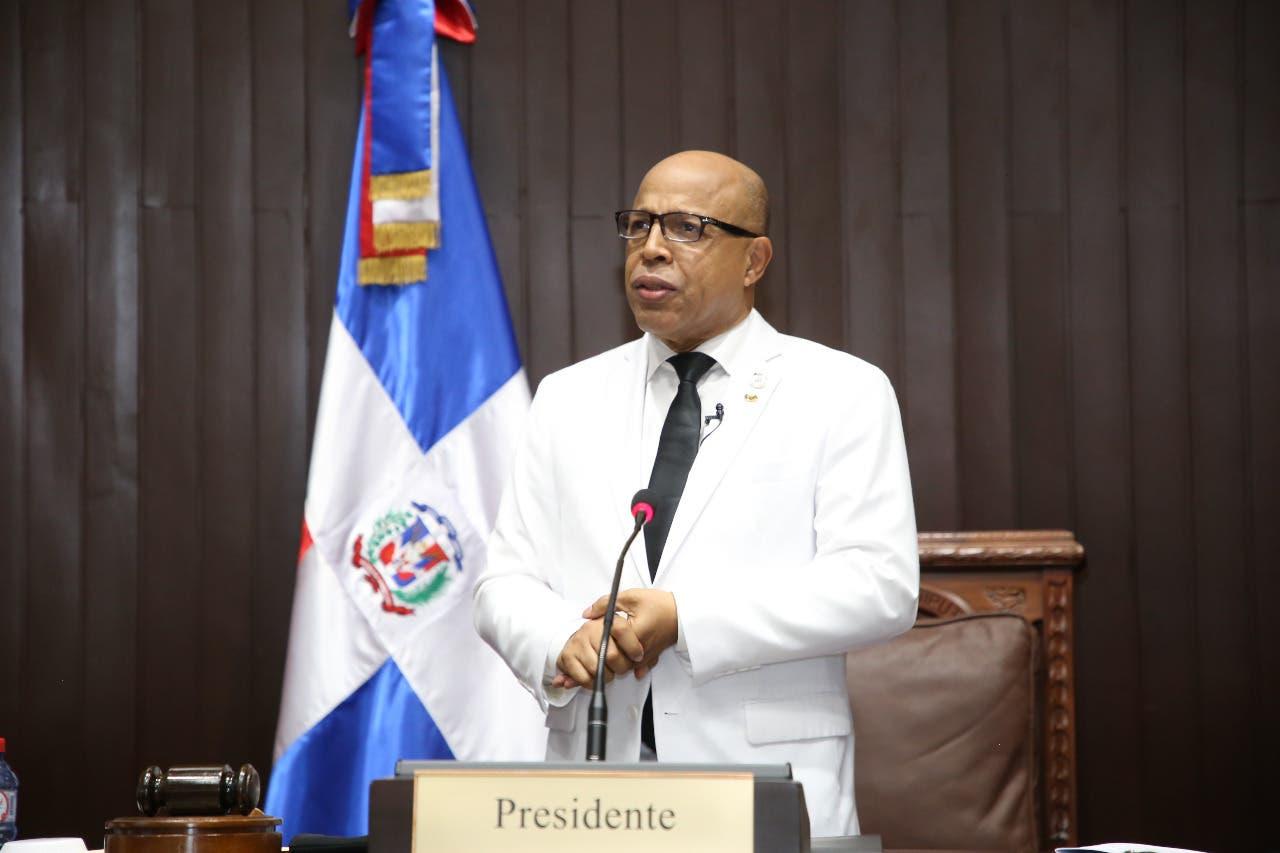 Alfredo Pacheco es reelecto como presidente de la Cámara de Diputados