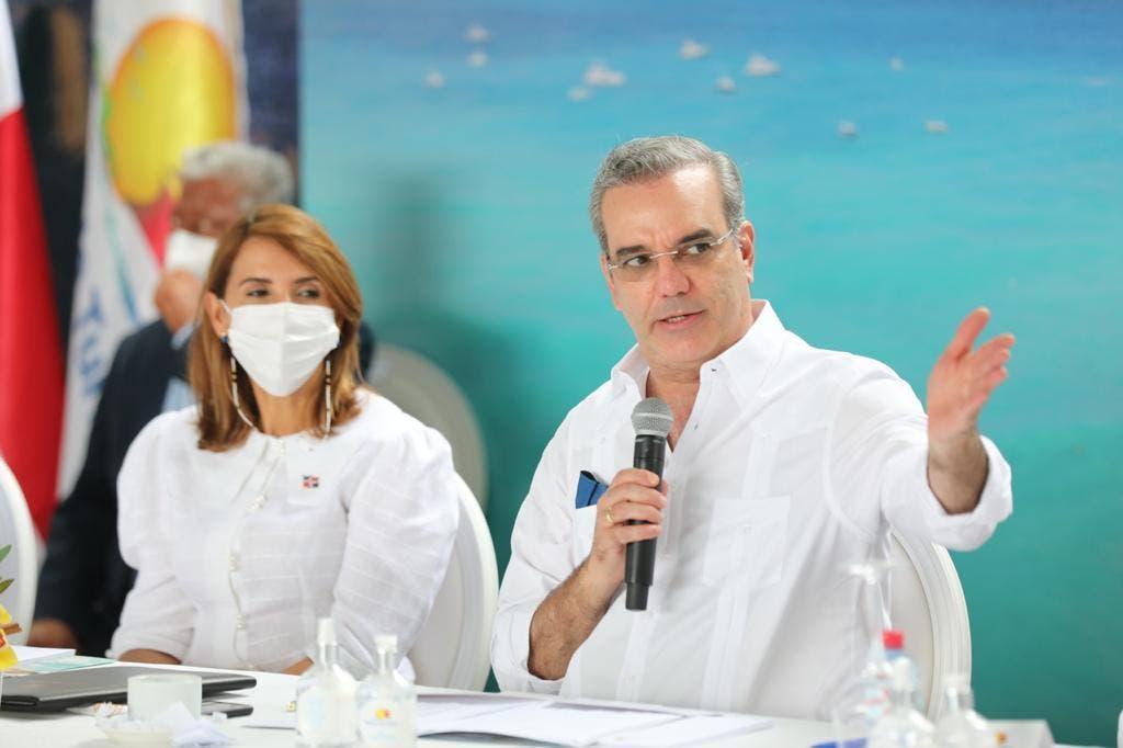 Presidente Abinader asegura tercera dosis ha salvado vidas en el país