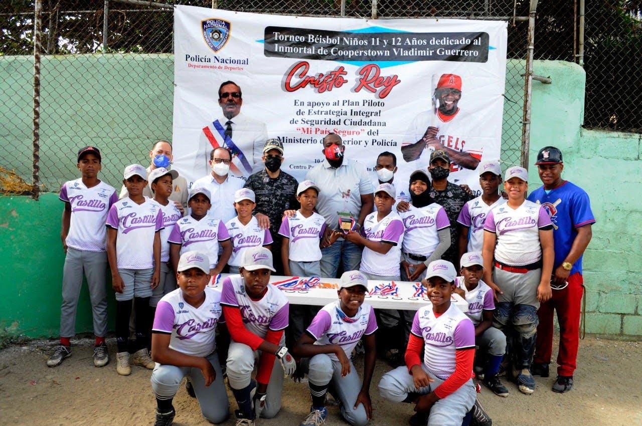 Liga Castillo gana torneo policial Cristo Rey dedicado a inmortal Vladimir Guerrero