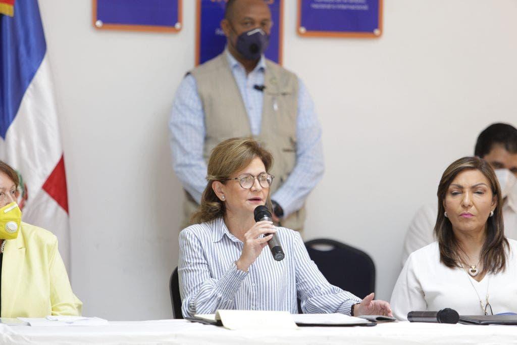 Vicepresidenta da seguimiento a obras anunciadas en Concejo de Gobierno en Barahona