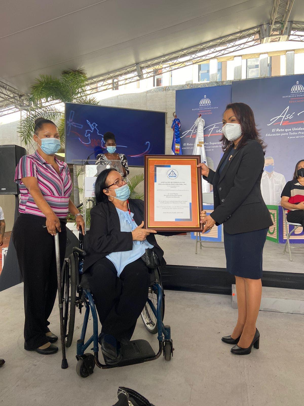 Educación Especial cierra año escolar para estudiantes con discapacidad