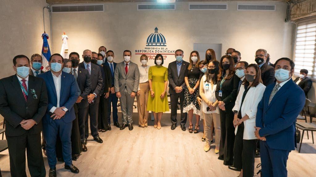 Raquel Arbaje visita oficinas de Proyectos Estratégicos y Especiales de Presidencia