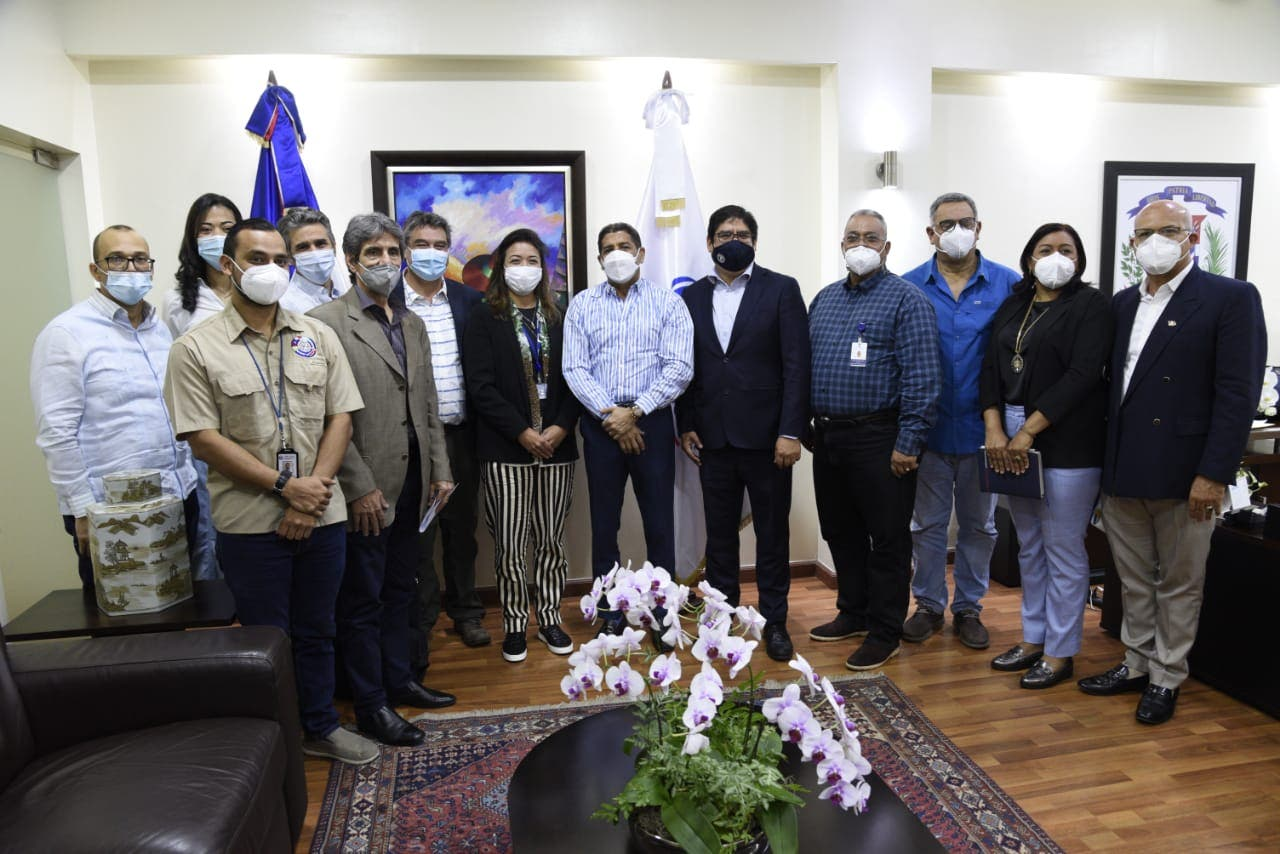 Llega al país misión técnicos de FAO, OIRSA y OIE para colaborar en erradicación peste porcina