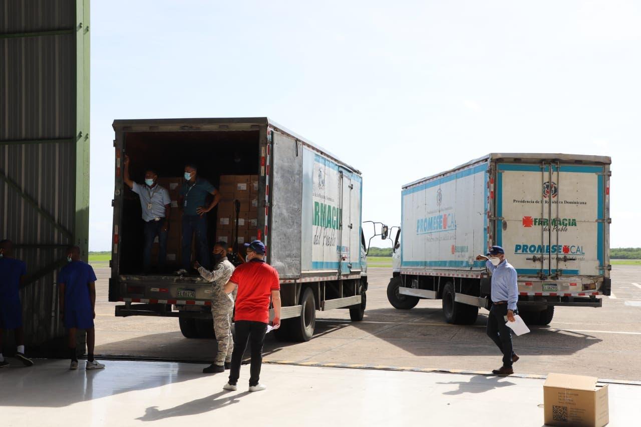 RD lista para enviar primer lote de ayuda a Haití tras terremoto