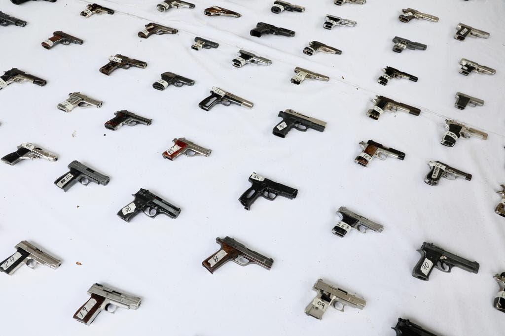 Gobierno destruye 803 armas ilegales recuperadas; construirá monumento
