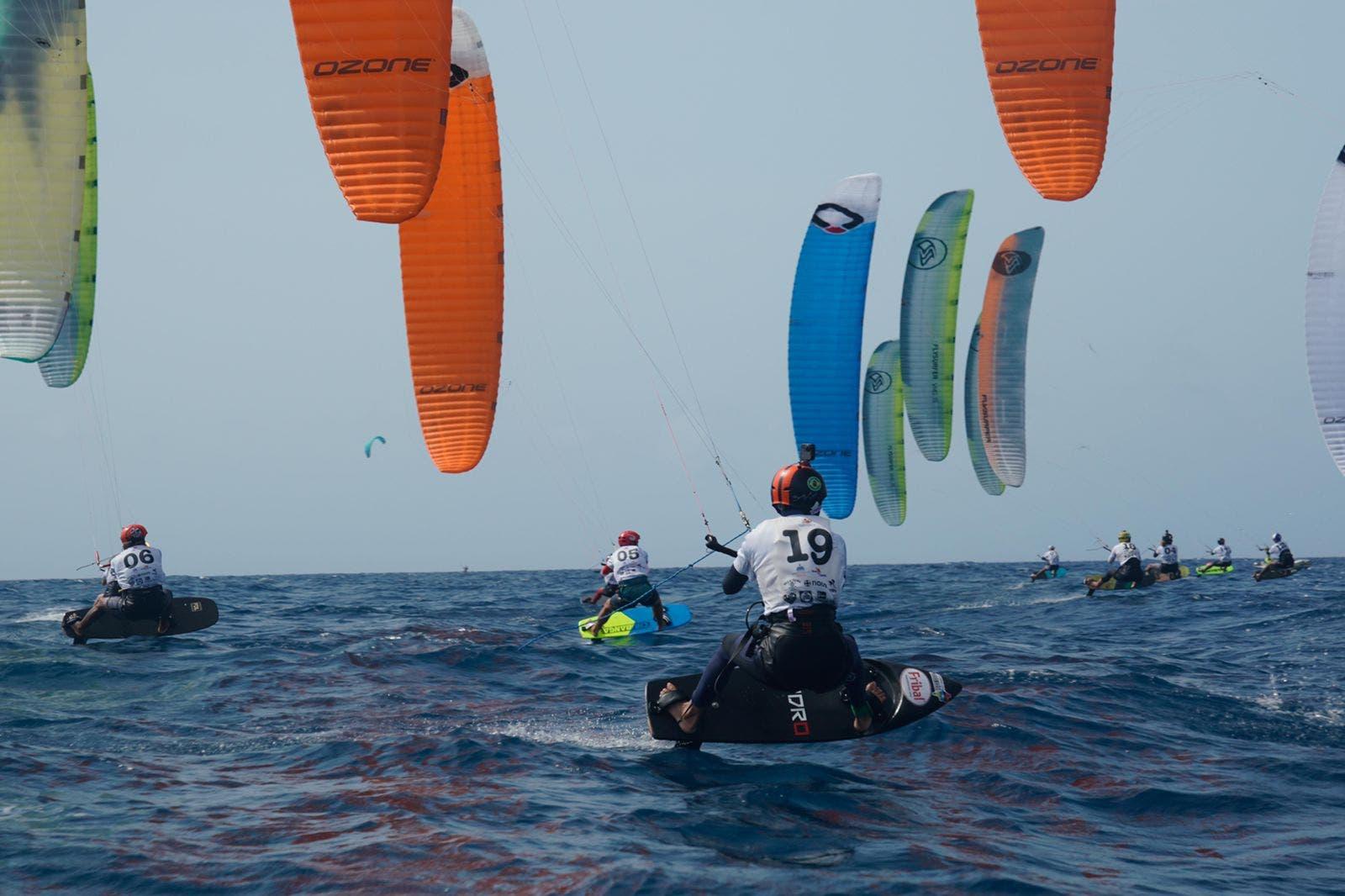 El dominicano Deury Corniel clasifica para la final Panamericana Regata Kite 2021