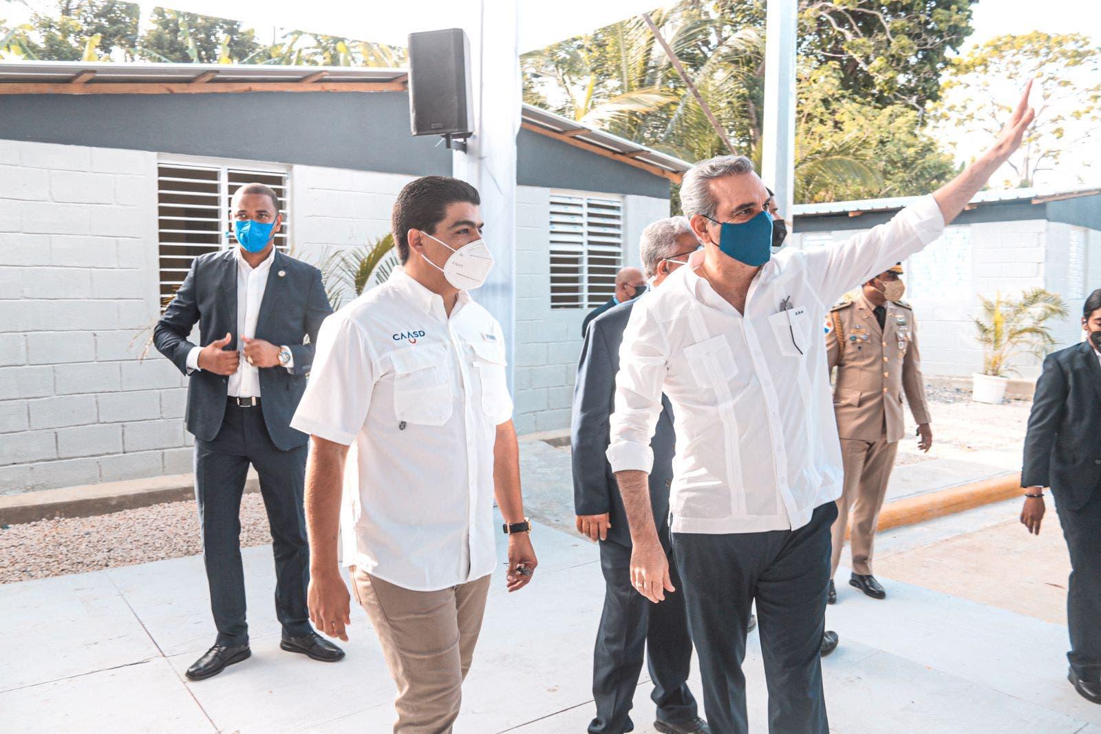 Presidente Abinader encabeza acto de entrega de cañadas saneadas por la CAASD