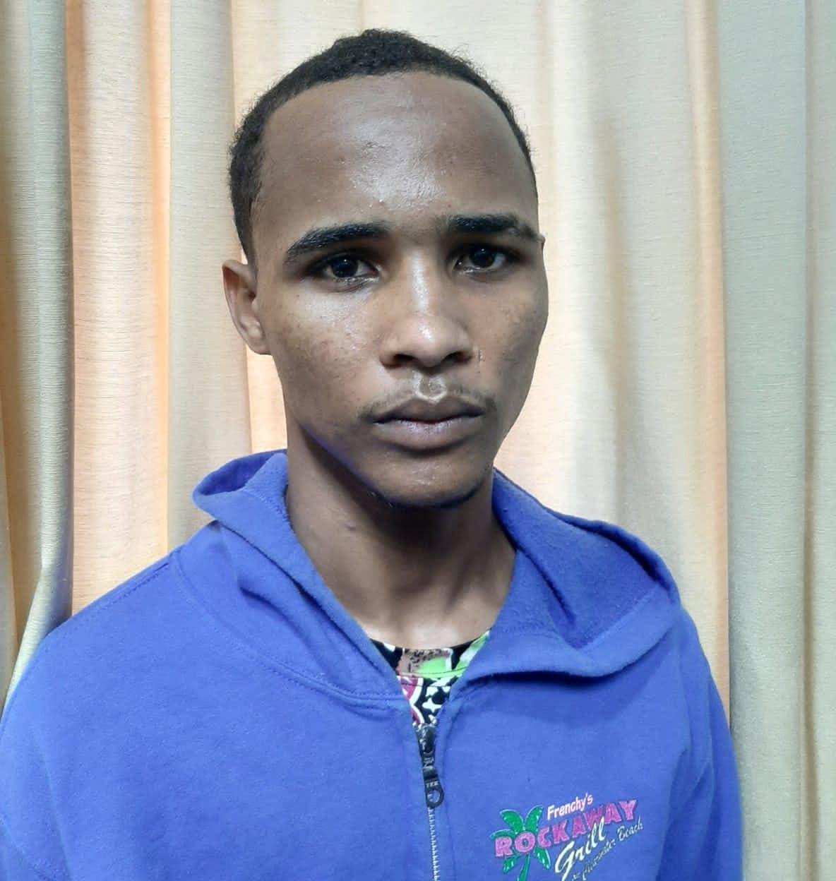 Se entrega joven acusado de ultimar menor en Moca