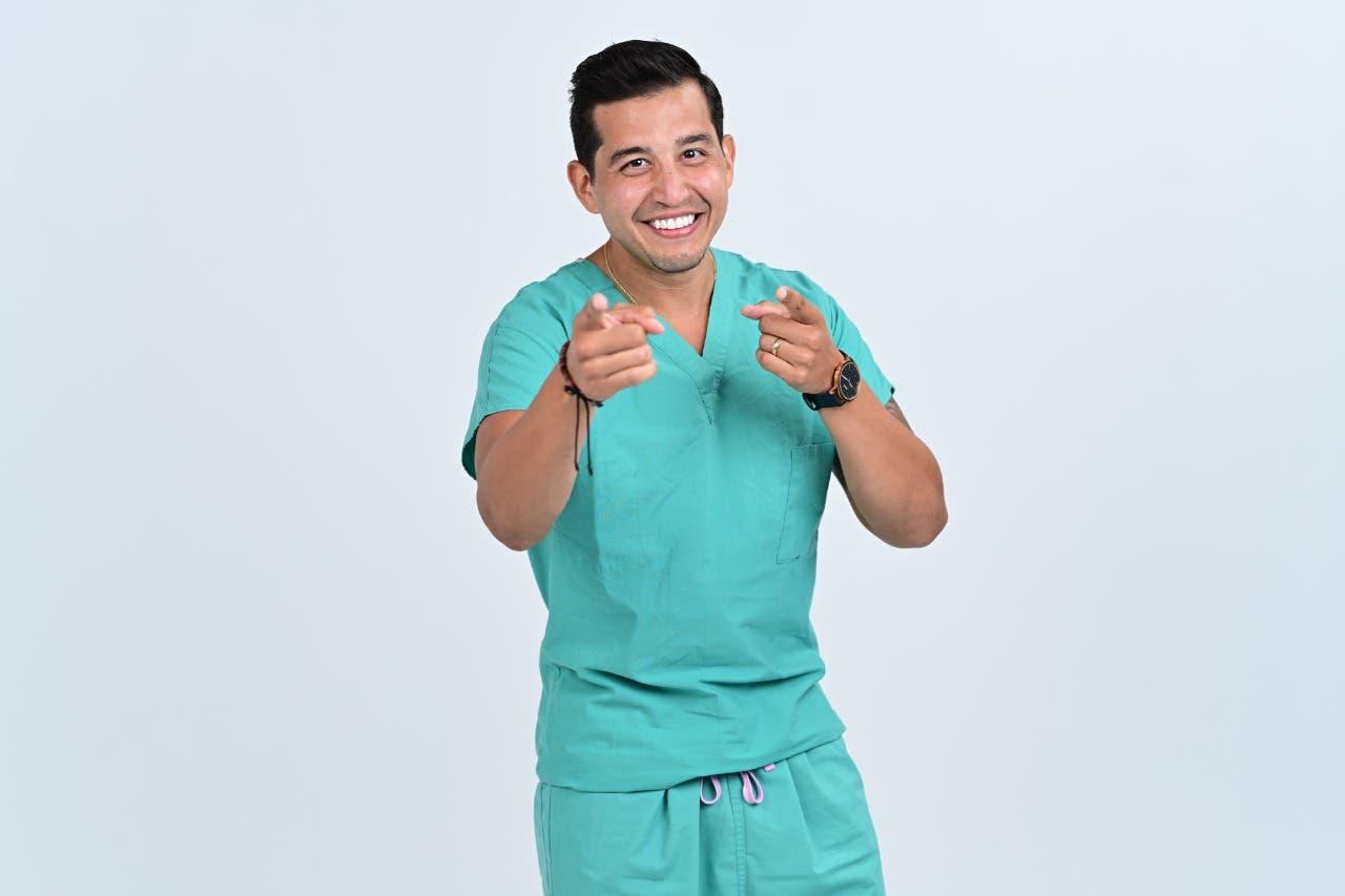 """Doctor Pedro Torres prepara nueva versión de libro """"¿Te cuidas hoy o mañana?"""""""