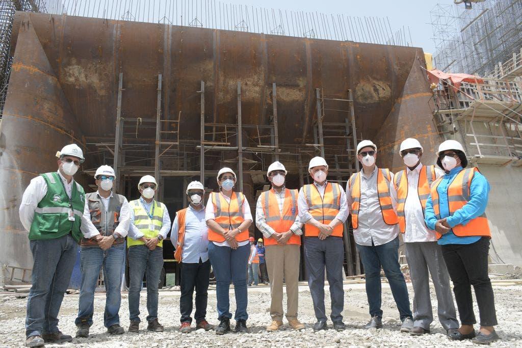 Senadores realizan un descenso a la presa Monte Grande para verificar avances de la obra