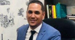 Un abogado muerto y un policía herido en incidente