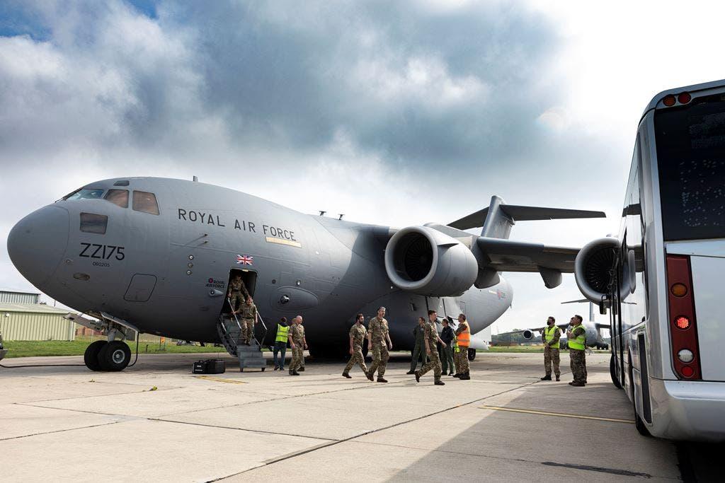 EE.UU. evacúa a 2.900 personas de Kabul, menos que en días anteriores