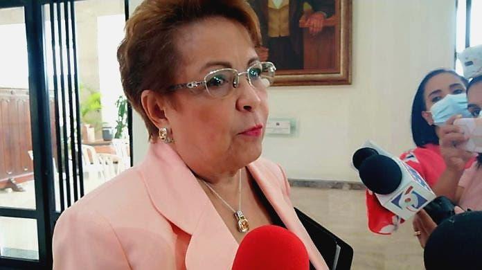 Alejandrina Germán indaga a diputados PLD que no se acogen a la línea partidaria