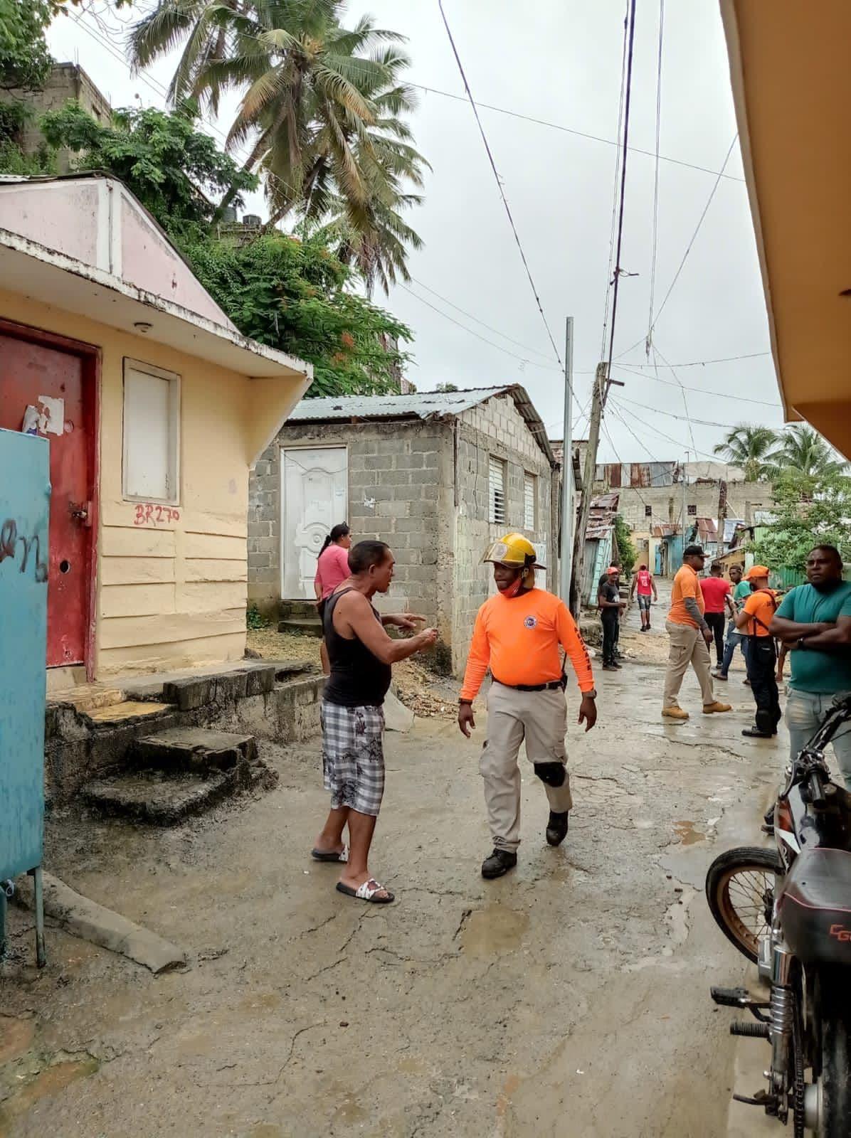 Defensa Civil dice hay 2 mil 405 albergues disponibles ante paso tormenta tropical Fred