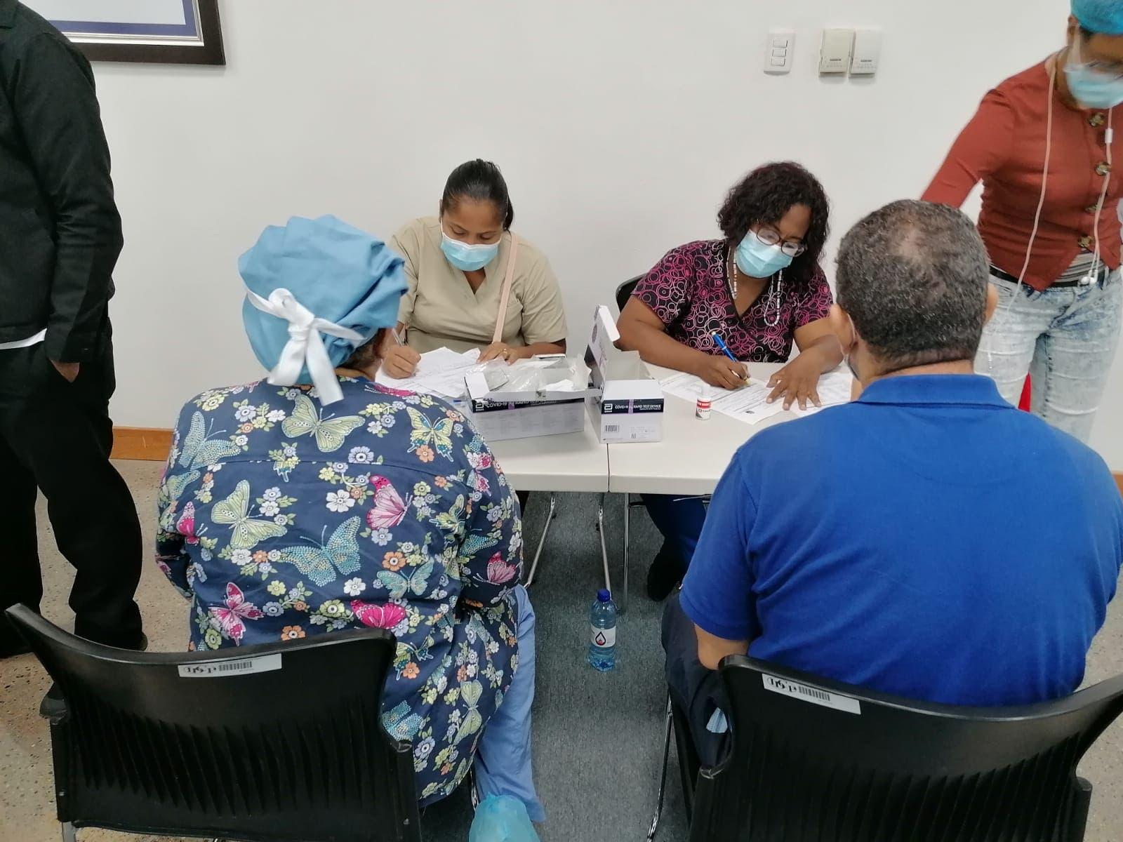 Instituto Dermatológico se suma a jornada pruebas de antígenos