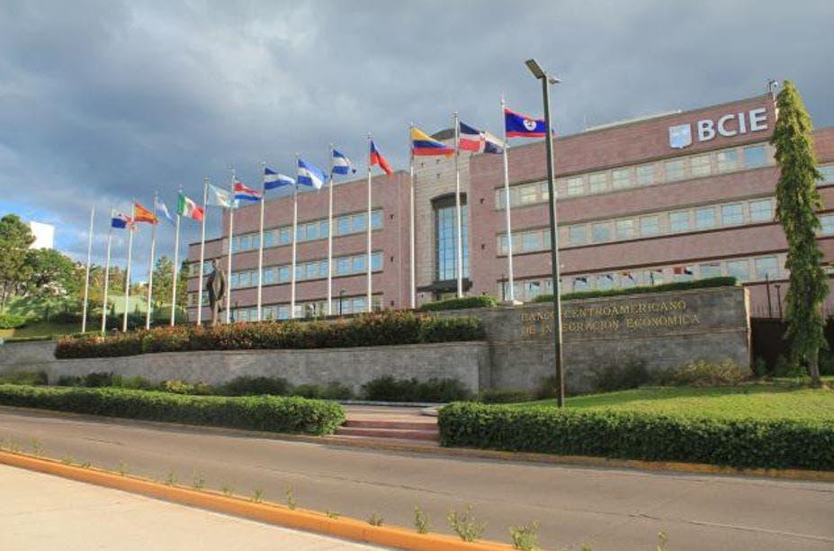 Banco Centroamericano emitirá moneda local en República Dominicana