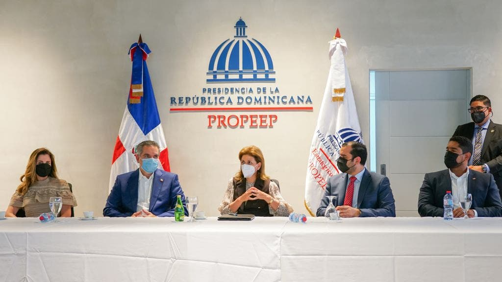 Vicepresidenta Raquel Peña llama a las provincias a cumplir meta de vacunar el 70% de su población