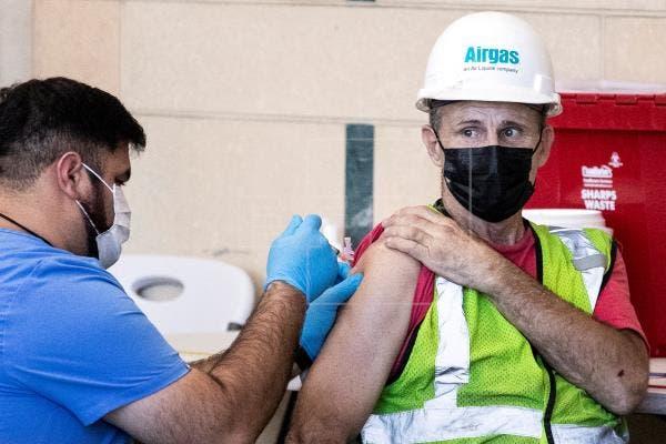 La pandemia ya es delta en EE.UU y el Gobierno no descarta tercera dosis