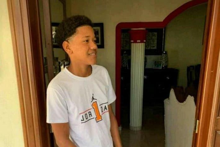 Intensifican la búsqueda de joven arrastrado por cañada en Guaricano