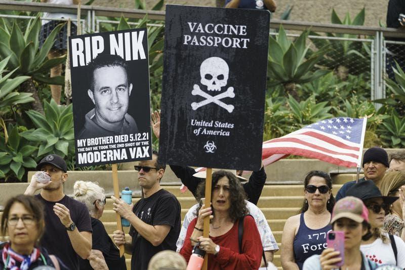 EEUU: Mascarillas y vacunación desatan acoso y violencia