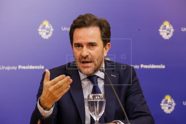 """Ministro saliente de Uruguay sostiene que fue víctima de un """"ataque político»"""