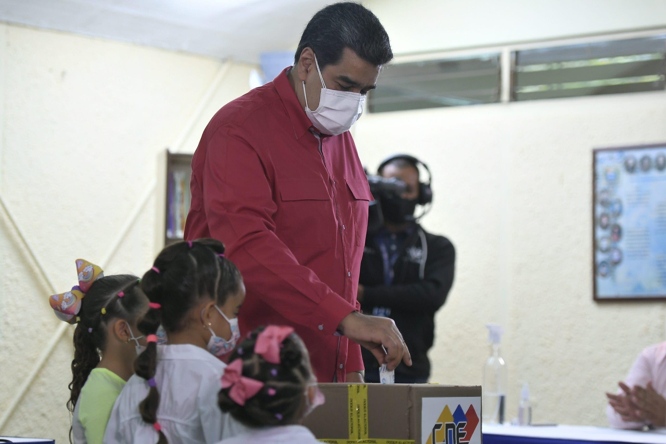 El chavismo elige a sus candidatos para las elecciones locales y regionales