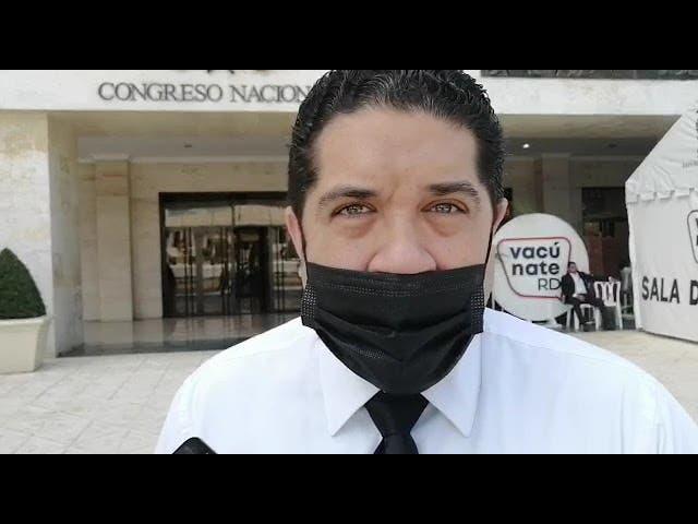 Abogado dice es irresponsabilidad de senadores negarse a estudiar Código Penal