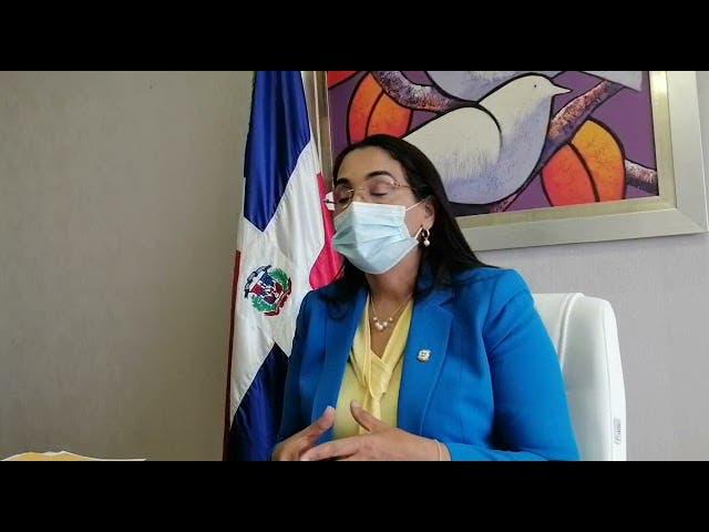"""Senadora a Antonio Taveras: """"Si usted participa de una reunión, no puede decir que no es factible"""""""