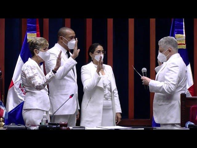 Senado juramenta su bufete directivo