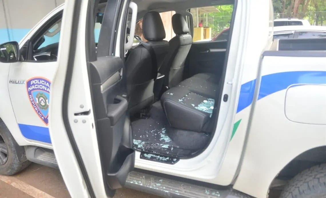 Sargento de la Policía resulta herido durante ataque a tiros contra patrulla en Santiago