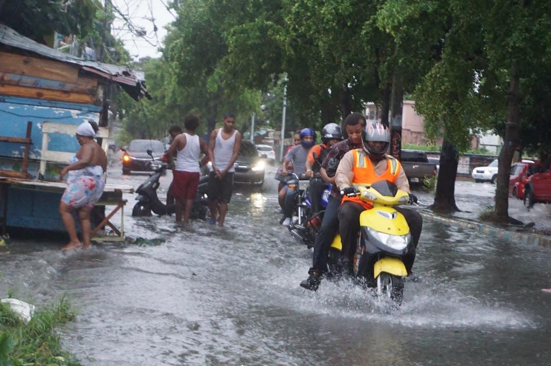 La depresión tropical Fred se desplaza cerca del oriente de Cuba