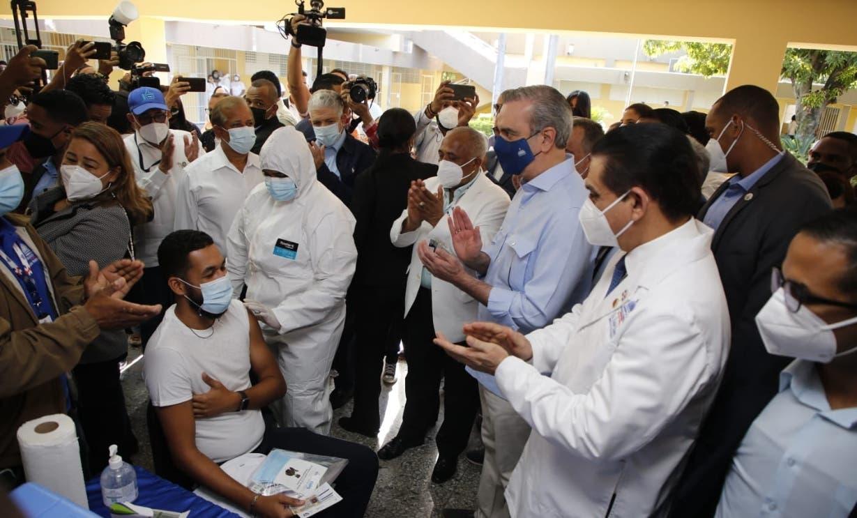 El gobierno relanza plan de vacuna contra Covid
