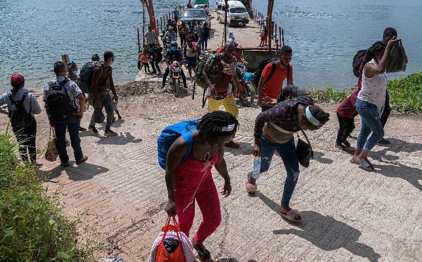 Haitianos saturan migración mexicana