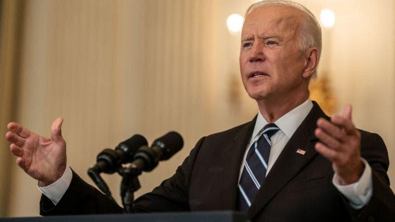 La orden de Biden para ampliar la vacunación en medio de una crisis de coronavirus en EE.UU.