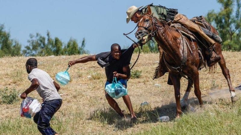 EE.UU deja de usar caballos para patrullar el cruce de haitianos en frontera