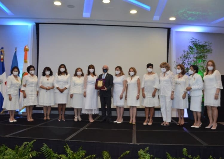 Fundación  celebra  evento por la paz